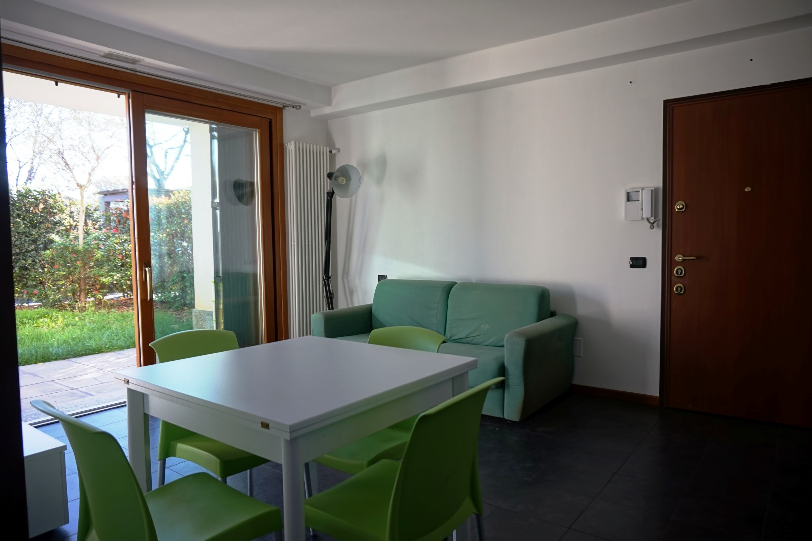 Appartamento monolocale arredato in affitto a dalmine for Monolocale arredato affitto