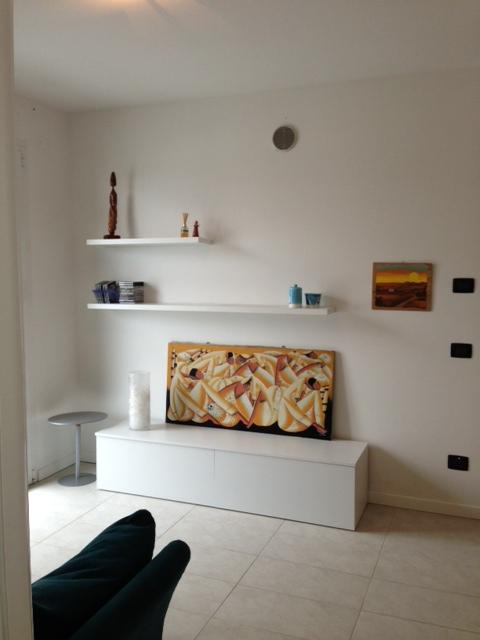 Bilocale arredato in affitto a dalmine centro tipo attico for Affitto bilocale arredato