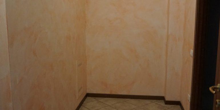 appartamento-trilocale-in-vendita-a-botta-di-sedrina-disimpegno