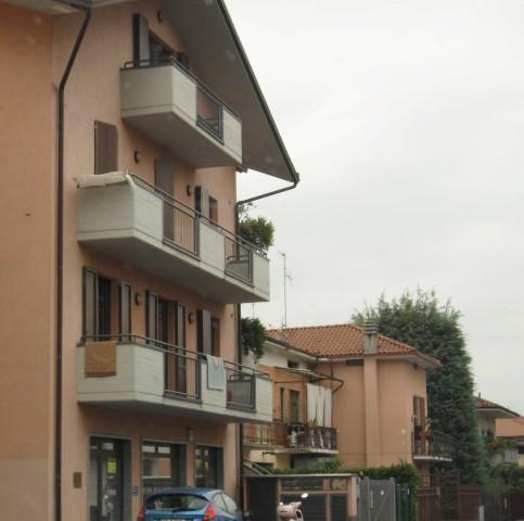 Ufficio/negozio in affitto ad Almè – 140 mq.