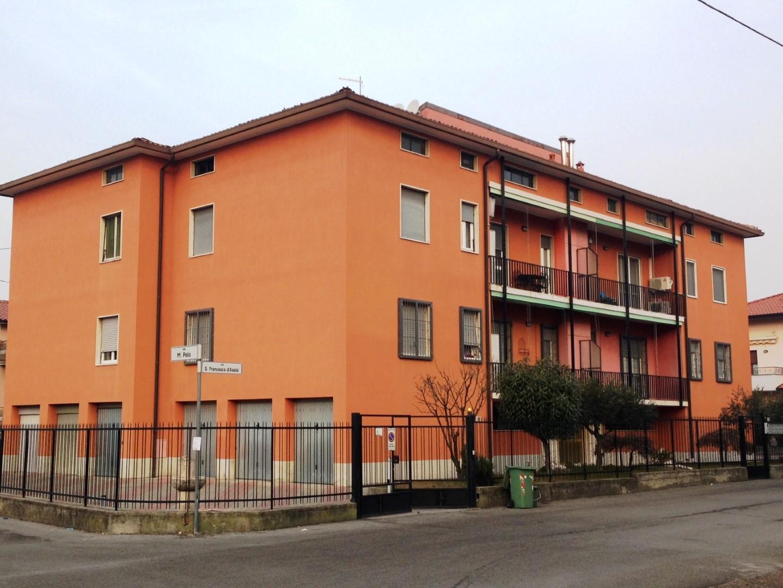 Appartamento trilocale da ristrutturare a Dalmine