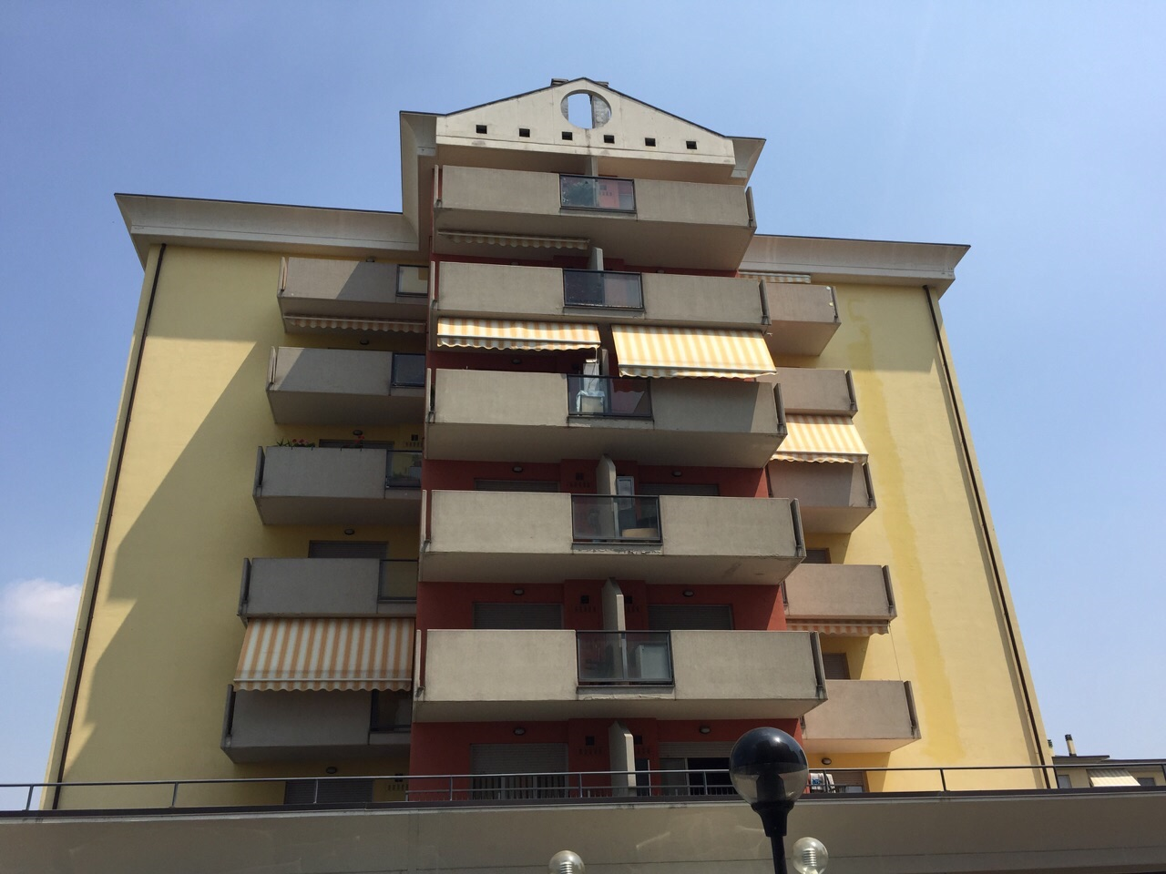 Appartamento monolocale arredato in affitto a dalmine zona for Monolocale arredato affitto