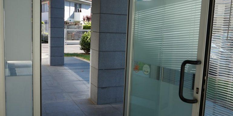 negozio-in-affitto-a-dalmine-ingresso-2