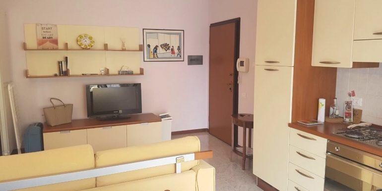 appartamento-bilocale-arredato-con-box-a-dalmine-zona-universita-soggiorno