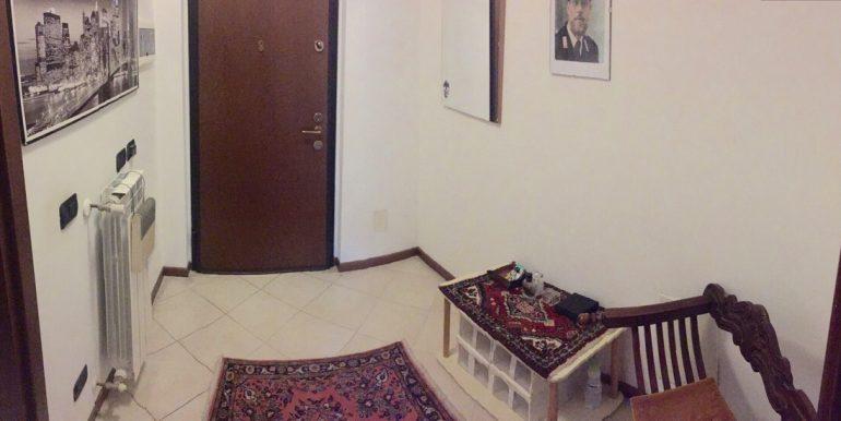 appartamento-monolocale-arredato-in-affitto-a-dalmine-zona-universita-ingresso