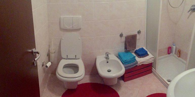 appartamento-monolocale-arredato-in-affitto-a-dalmine-zona-universita-bagno