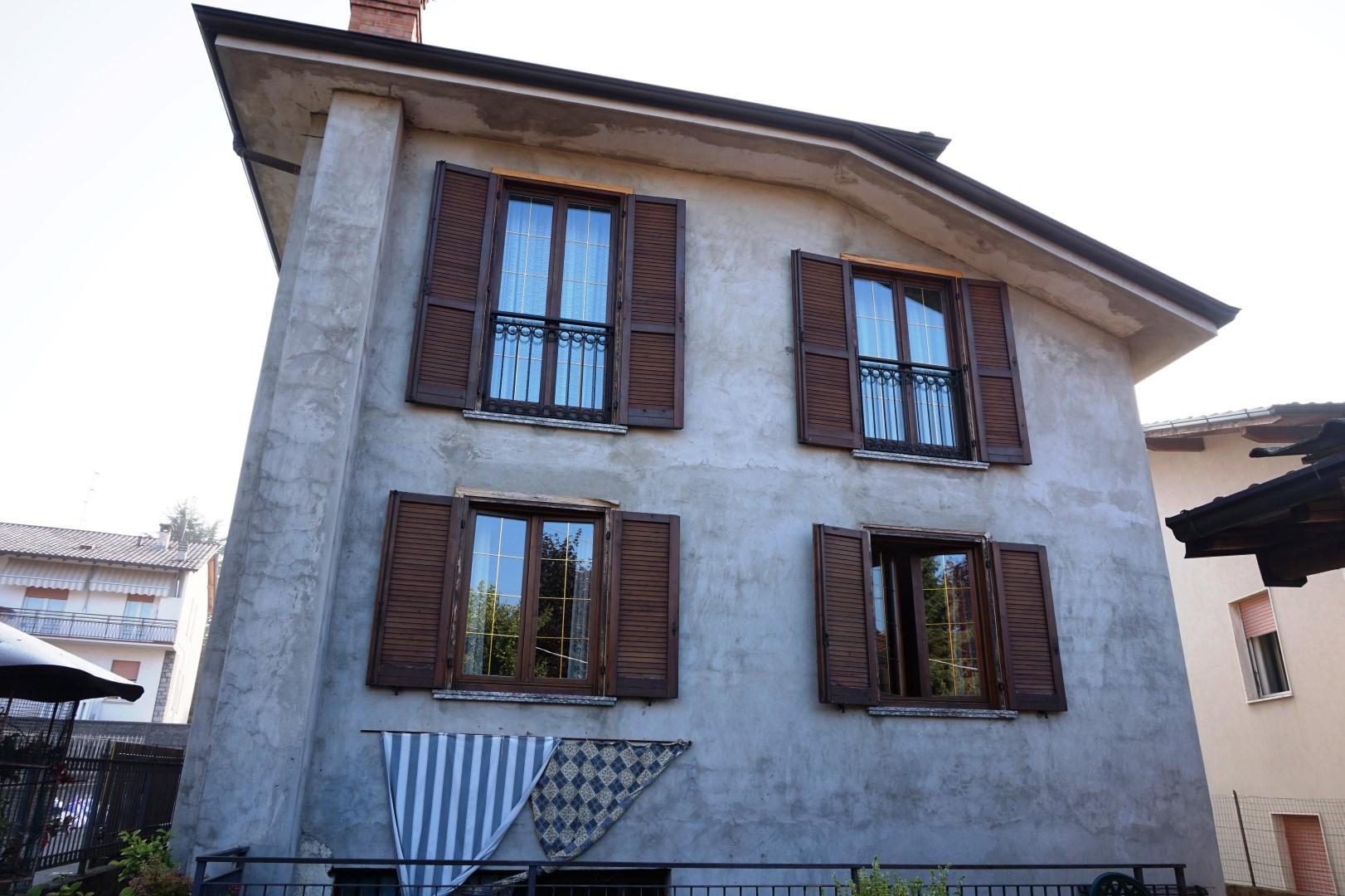 Villa indipendente in vendita a Sorisole