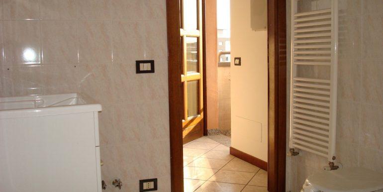 appartamento-quadrilocale-in-affitto-ad-alme-lavanderia