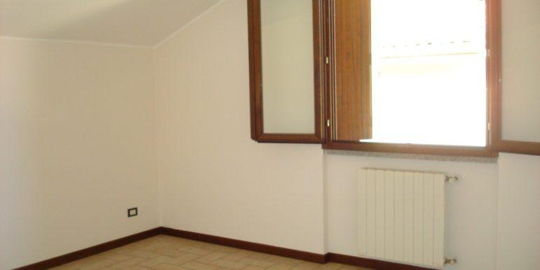 appartamento-quadrilocale-in-affitto-ad-alme-camera-3