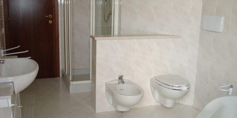 appartamento-quadrilocale-in-affitto-ad-alme-bagno-2