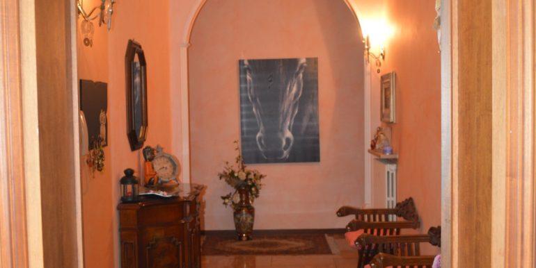 Casa-indipendente-in-vendita-a-Dalmine-corridoio