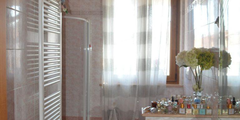 Casa-indipendente-in-vendita-a-Dalmine-bagno