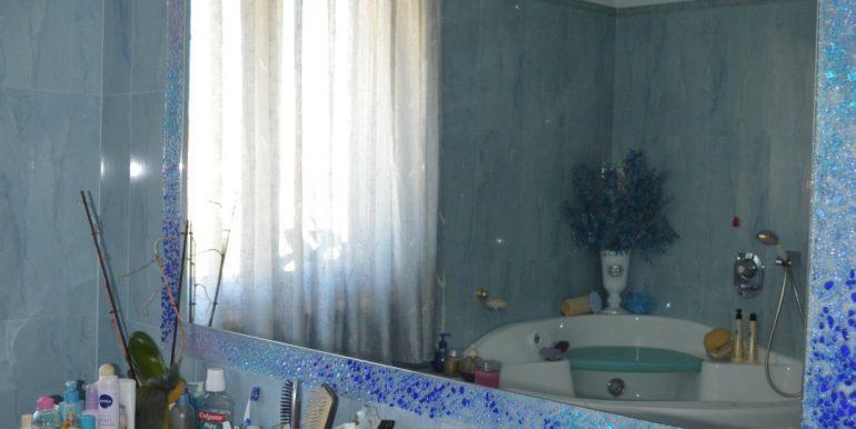 Casa-indipendente-in-vendita-a-Dalmine-bagno-2