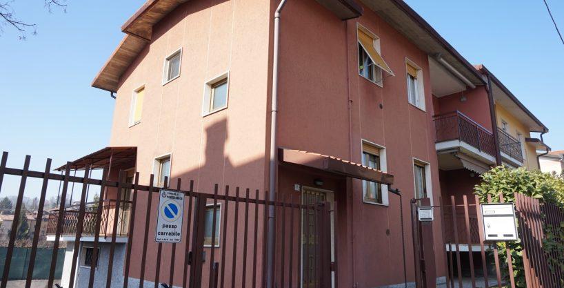 Trilocale in vendita in villa bifamiliare a Ponteranica