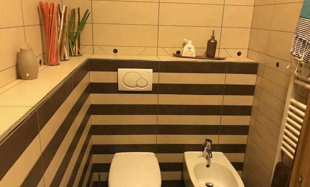 Appartamento-trilocale-in-affitto-a-Bergamo-bagno-2
