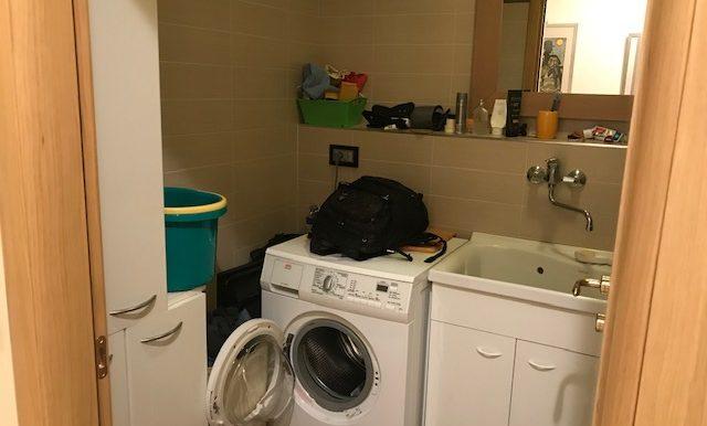 Appartamento-trilocale-in-affitto-a-Bergamo-lavanderia
