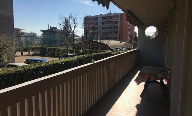 Appartamento-trilocale-in-affitto-a-Bergamo-terrazzo-2