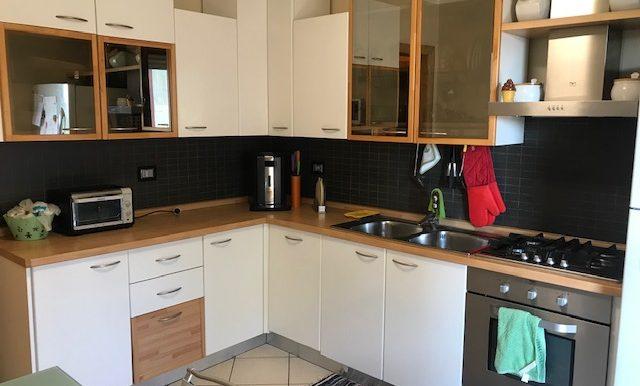 Appartamento-trilocale-in-affitto-a-Bergamo-cucina-2