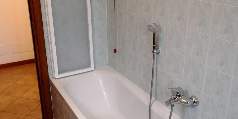 bilocale-arredato-in-affitto-a-terno-disola-bagno-2