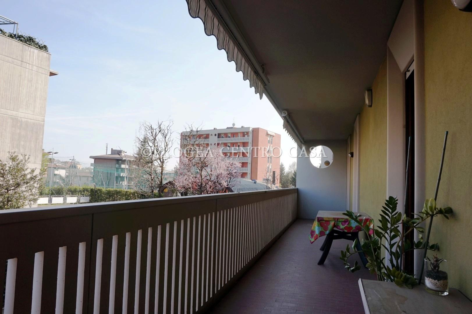 Appartamento trilocale arredato in affitto a bergamo for Affitto carpenedolo arredato