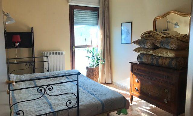 Appartamento-trilocale-in-affitto-a-Bergamo-cameretta