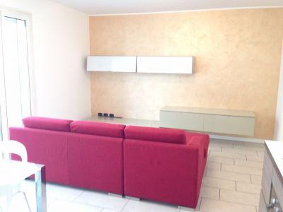 bilocale-in-affitto-a-dalmine-ampia-metratura-soggiorno
