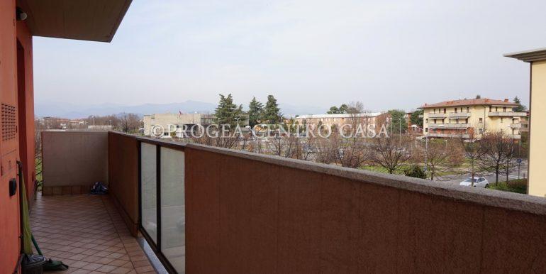 bilocale-arredato-in-affitto-dalmine-zona-universita-terrazzo-2