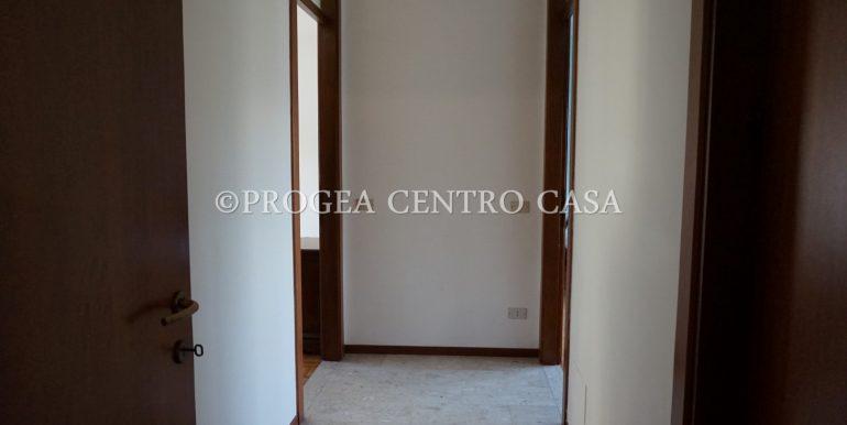 trilocale-in-affitto-a-dalmine-arredato-zona-centrale-disimpegno-2