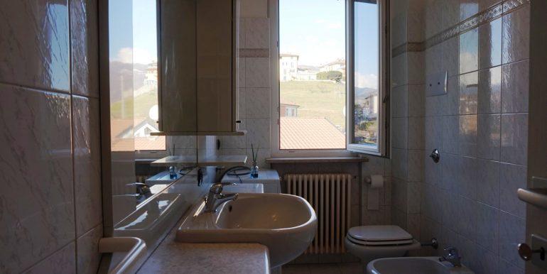 trilocale-in-affitto-a-sorisole-bagno