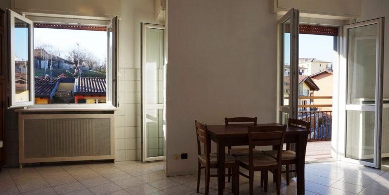 trilocale-in-affitto-a-sorisole-soggiorno-3