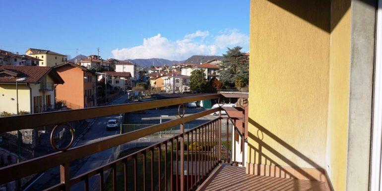 trilocale-in-affitto-a-sorisole-terrazzo-4