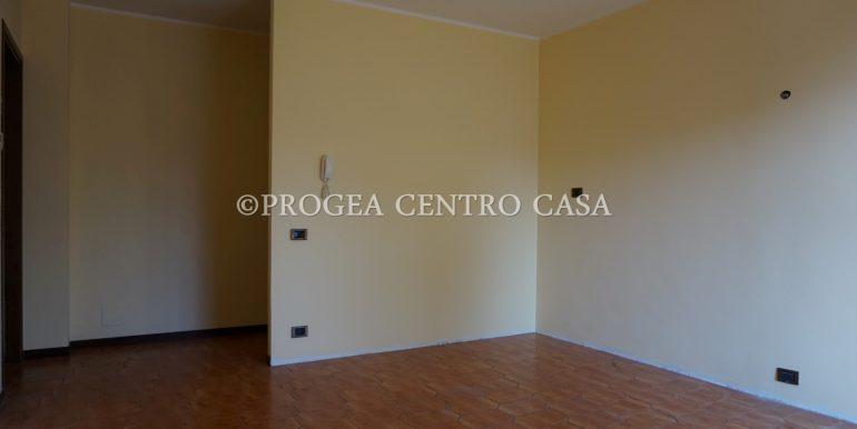 bilocale-in-vendita-almenno-san-salvatore-soggiorno-2