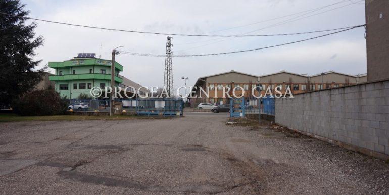 capannone-in-vendita-a-origgio-piazzale