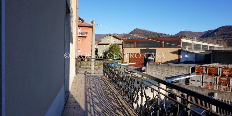 pentalocale-in-vendita-ad-alme-terrazzo
