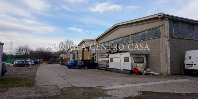 capannone-in-vendita-a-origgio-piazzale-4