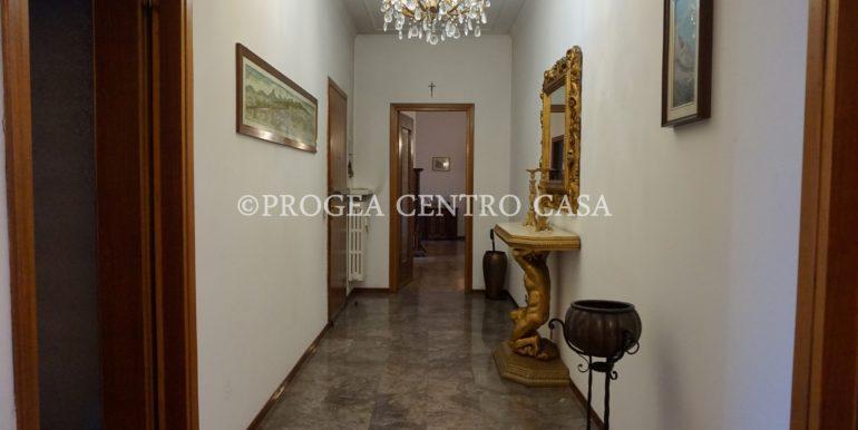 pentalocale-in-vendita-ad-alme-corridoio