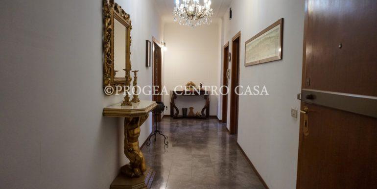 pentalocale-in-vendita-ad-alme-corridoio-2