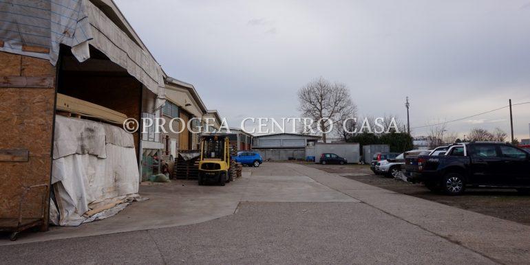 capannone-in-vendita-a-origgio-piazzale-5