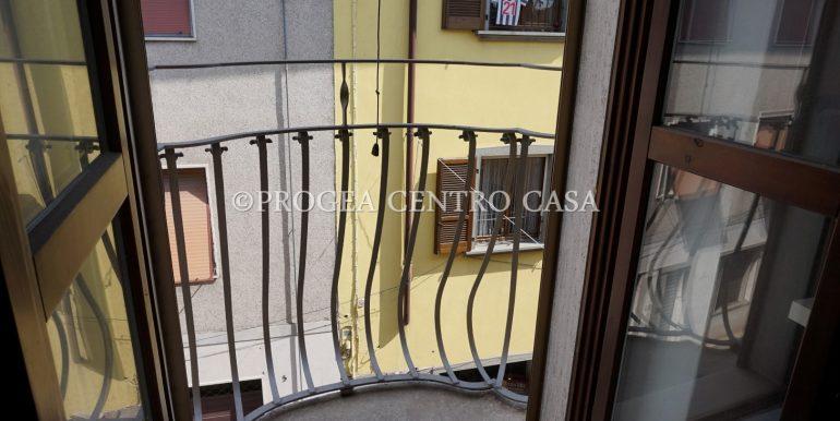 bilocale-arredato-in-affitto-a-osio-sotto-balconcino