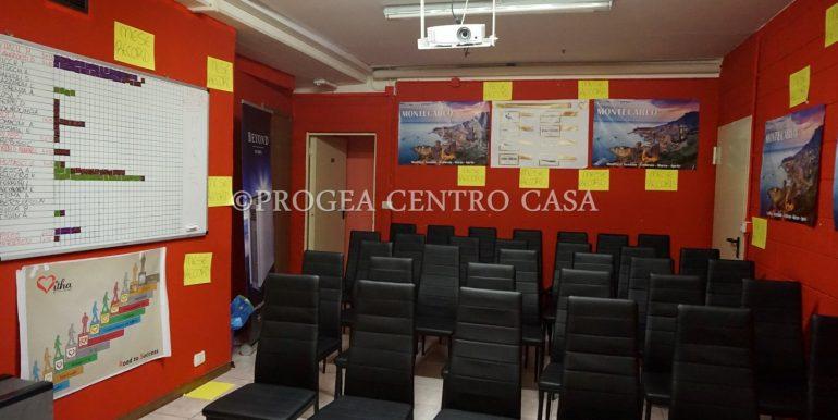 ufficio-in-affitto-a-treviolo-vetrinato-sala-meeting-2