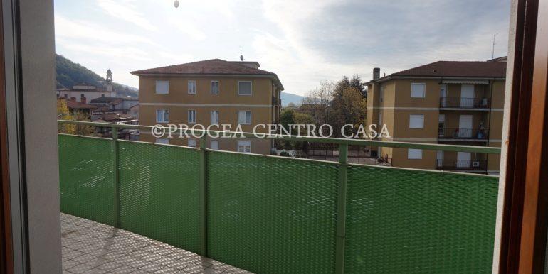 monolocale-arredato-in-affitto-ad-albano-sant-alessandro-terrazzo-3