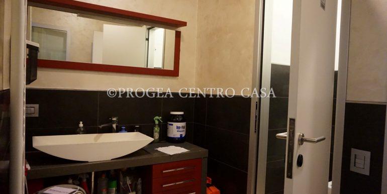 ufficio-in-vendita-a-bergamo-bagno-2