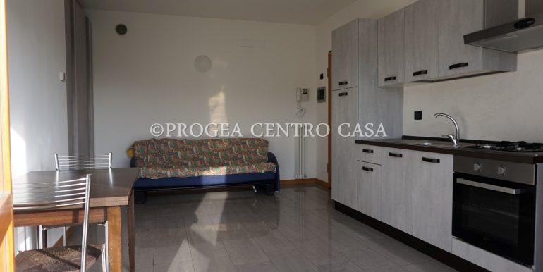 monolocale-arredato-in-affitto-ad-albano-sant-alessandro-open-space-2