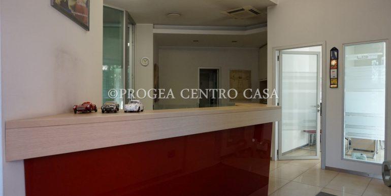 ufficio-in-vendita-a-bergamo-reception-2