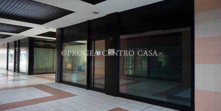 ufficio-in-affitto-a-treviolo-vetrinato-esterno-2
