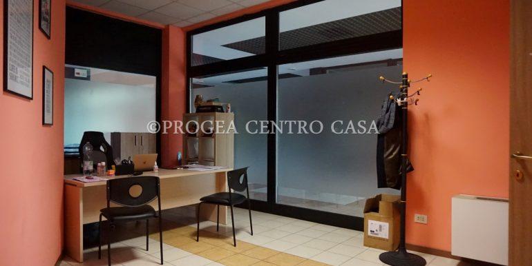 ufficio-in-affitto-a-treviolo-vetrinato-ufficio-4
