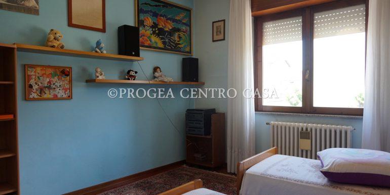trilocale-in-vendita-a-osio-sotto-con-giardino-privato-cameretta-2