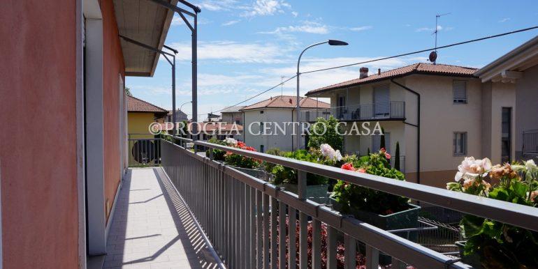 trilocale-in-vendita-a-osio-sotto-con-giardino-privato-balcone