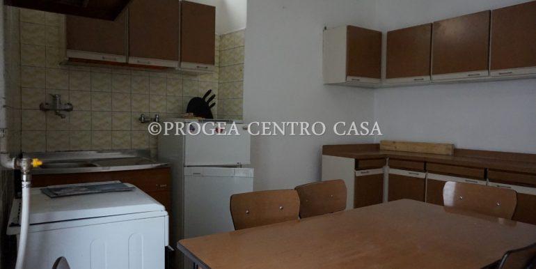 casa-in-affitto-albano-santalessandro-cucina-2