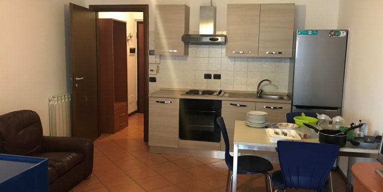 monolocale-in-affitto-a-dalmine-arredato-cucina